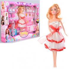 Лялька з нарядом V 134-1 в коробці