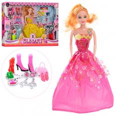 Лялька з нарядом 0543 в коробці